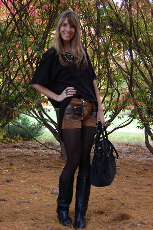 black SDVTG shirt - brown vintage shorts - black modcloth boots - black Mimi Bou
