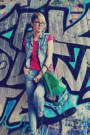 Orsay bag - Guess jeans - Guess glasses - Tally Weijl sneakers
