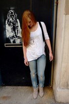 Zara boots - Levis jeans - H&M t-shirt - fashionology necklace