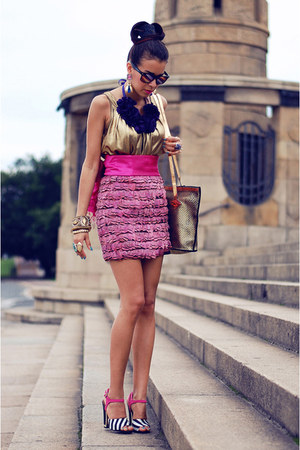 feather asos skirt - sam edelman sandals - vintage top