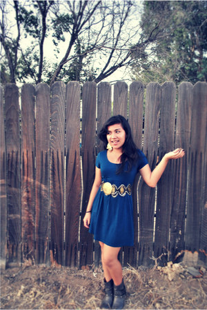 teal Forever 21 dress - brown Mossimo boots - gold thrifted vintage belt