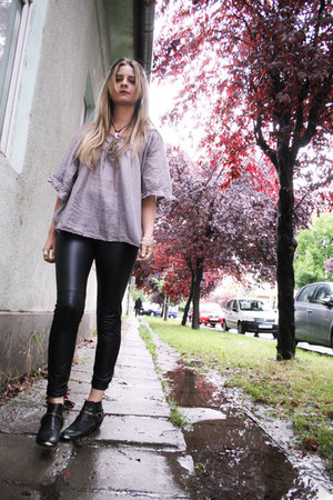 second hand boots - Bershka tights - second hand blouse