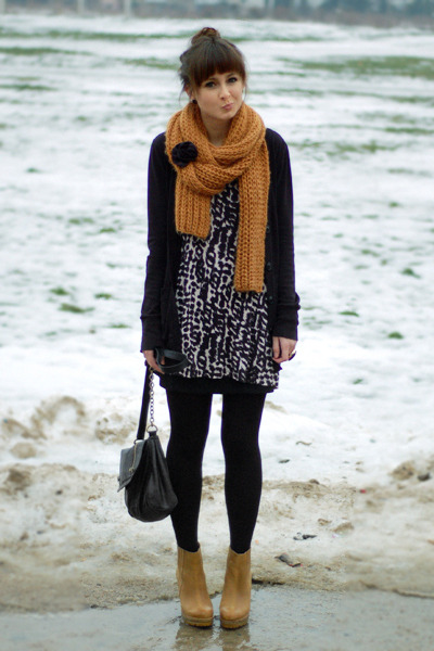 burnt orange Zara scarf - black H&M top