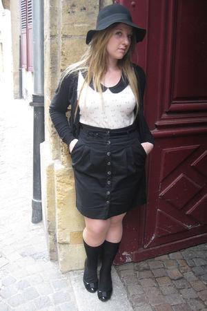 Zara skirt - Printemps hat - Zara shoes