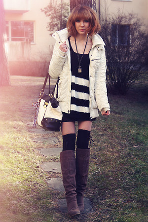 charcoal gray necklace - dark brown Din Sko boots - white jacket - white bag