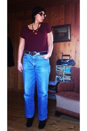vintage necklace - second hand jeans - H&M sunglasses - second hand belt