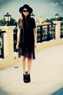 Dark-gray-fringe-detail-botique-dress-black-fedora-vintage-hat-black-peep-to