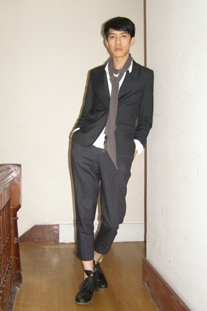 Kostym blazer - ann demeulemeester shirt - Filippa K pants - Fiorentini  Baker b