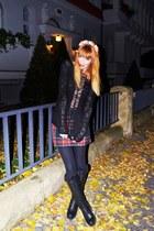 forest green tartan skirt - black leather boots