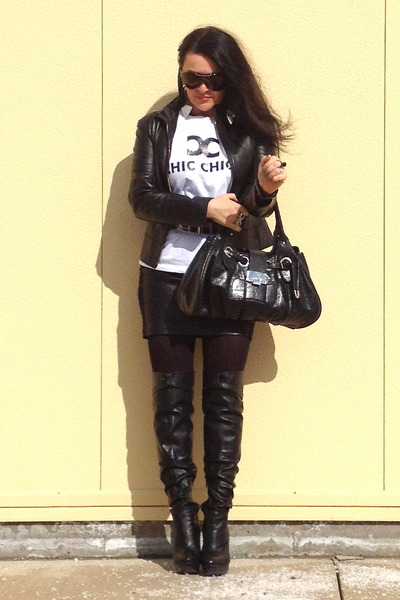 black boots - black bag - white t-shirt - silver earrings - black Zara skirt