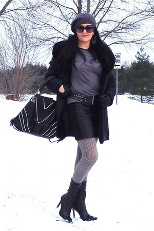 black boots - black bag - heather gray Zara top - black Zara skirt