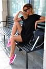 Hot-pink-fila-sneakers