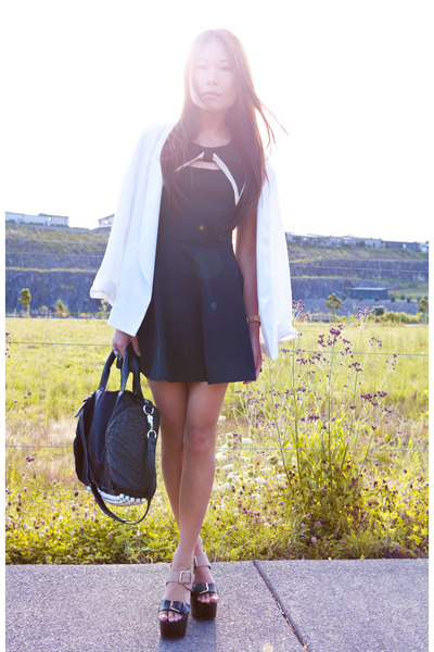 black dress - white Topshop blazer - black platform Report sandals