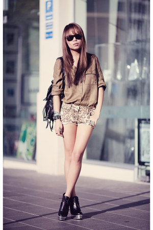 olive green asos shirt - camel River Island shorts