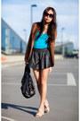 Black-leather-boxer-shorts-turquoise-blue-zara-t-shirt