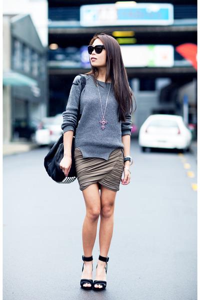 black Zara heels - charcoal gray jumper