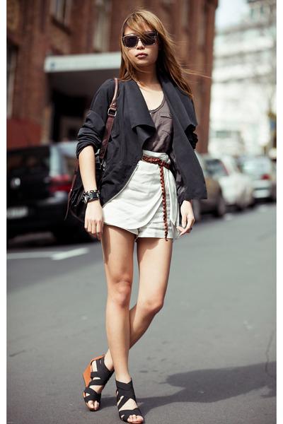 black modcloth jacket
