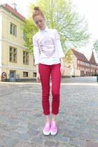 light pink ballerina Charlotte Russe t-shirt - red Wetseal jeans