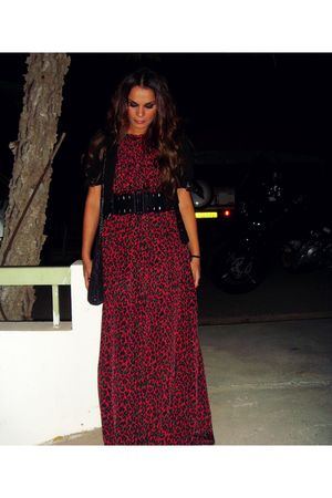 red fullah sugah dress - black Zara belt
