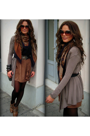 brown boots - brown skirt