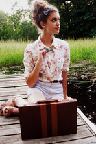 pink floral print Old Navy blouse - periwinkle checkered Gap shorts