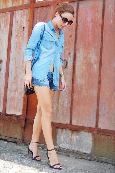 blue denim shirt pull&bear shirt - black shoulder bag Parfois bag
