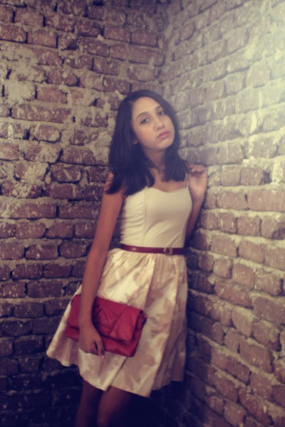 beige H&M dress - ruby red Bershka bag