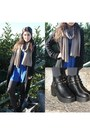 Black-persunmall-shoes-tan-persunmall-scarf
