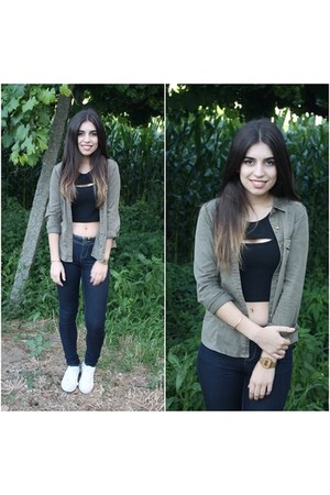olive green Stradivarius shirt