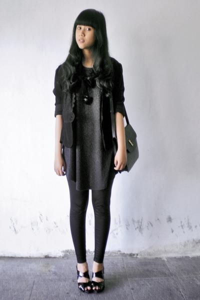 moms closet blazer - Local Boutique t-shirt - Topshop leggings - Blackmimi neckl