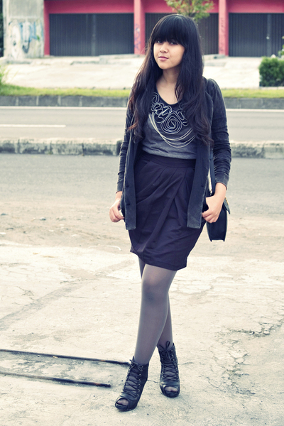 gray Miss Selfridges blazer - gray Daisy Days top - black Topshop skirt - gray s
