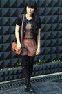 Black-bowy-topshop-tights-tawny-belted-sling-vintage-bag