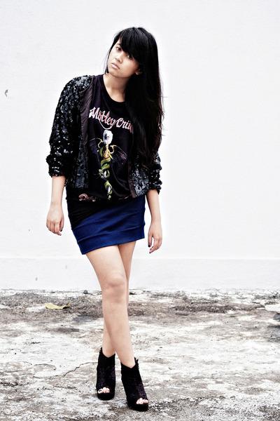 black vintage cardigan - black Fruit of the Loom t-shirt - blue Solemio skirt -