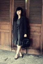 charcoal gray duvessa denim Minimal dress - black beret Ebay hat