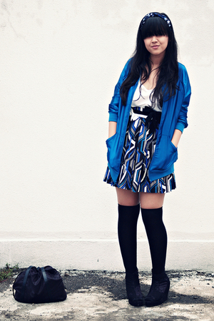 blue American Apparel jacket - white H&M top - blue Forever 21 skirt - black sox