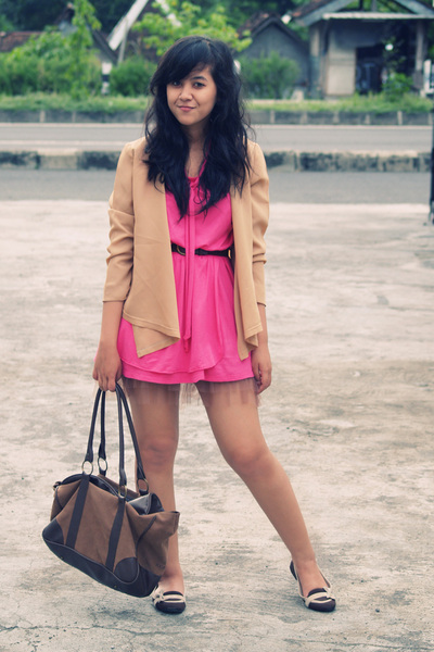 beige vintage cardigan - brown wondershoe shoes - pink ailsa DJODY dress