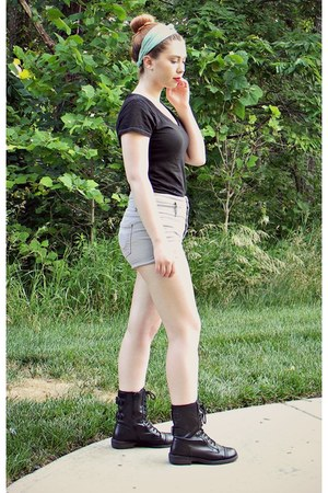 black boots - heather gray high waisted shorts - light blue hair accessory