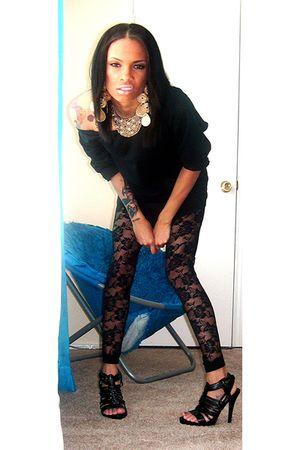 black Forever21 leggings - necklace