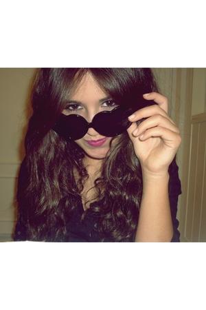 black Oysho glasses