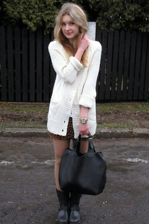 H&amp;M skirt - Amisu sweater - Manzana bag - Perfois watch