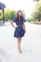 Zara dress - Massimo Dutti shoes