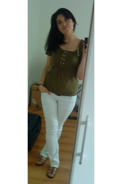 green Miss Selfridge t-shirt - white New Yorker pants - brown Topshop shoes