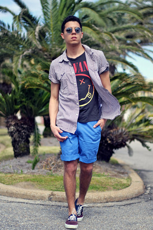 H&M shirt - sky blue Dockers shorts - sky blue Ray Ban sunglasses