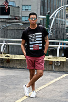 black Eleven Paris t-shirt - Ray Ban sunglasses - white Converse sneakers