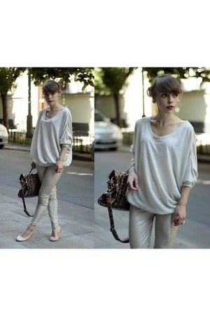 Primark sweater - Stradivairus leggings - Stradivairus bag