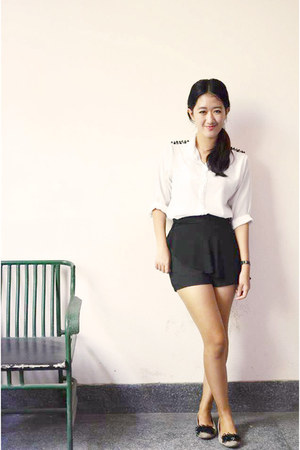 black skirt - ivory peg shirt