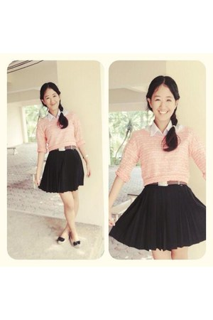 light pink sweater - black pleated skirt skirt