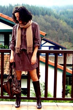 Fosco boots - Robert Pietri purse - Zara shirt - scarf