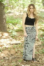 maxi skirt skirt - crop top top - bracelet - sandals