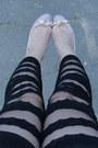 Black-oasap-tights-black-stradivarius-bag-black-mango-sunglasses